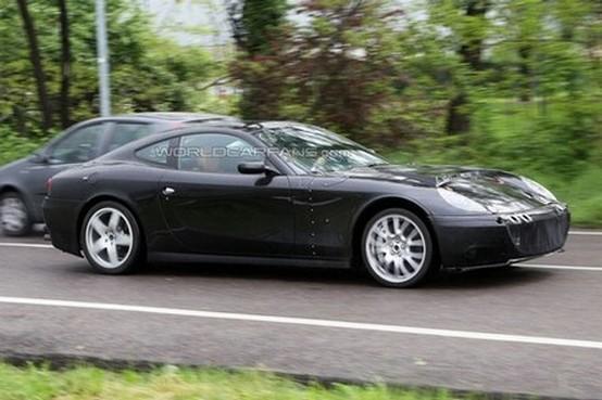 Foto spia della Ferrari 612 2012: nuova generazione o ibrida?