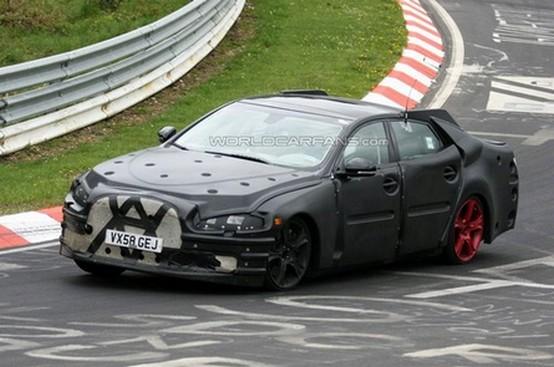 Jaguar XJ Prototipo spiata al Nurburgring