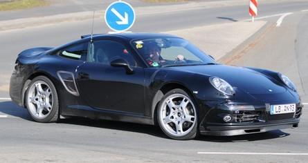 Spiato il modello di prossima generazione della Porsche 911 Carrera