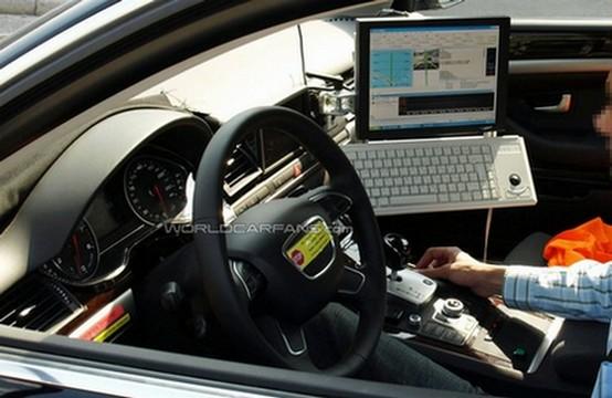 Prototipo Audi A8 ripreso con nuovi componenti negli interni