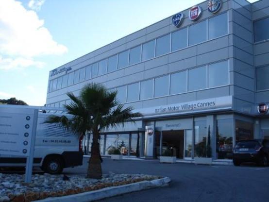 Fiat inaugura l' Italian Motor Village a Cannes