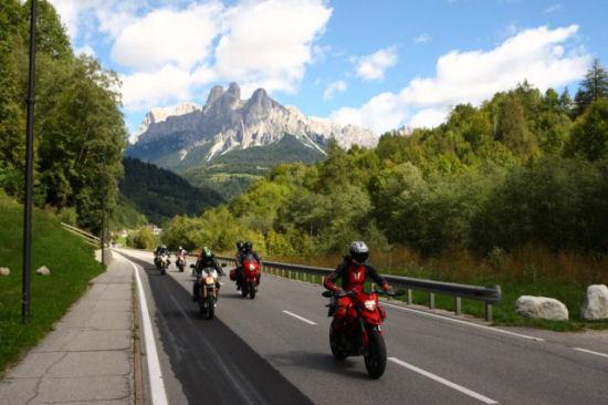 Dainese e AGV lanciano il concorso Italian Legendary Tour