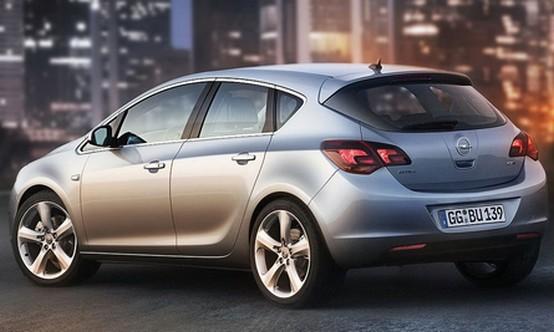 La Opel Astra/Vauxhall rivelata ufficialmente