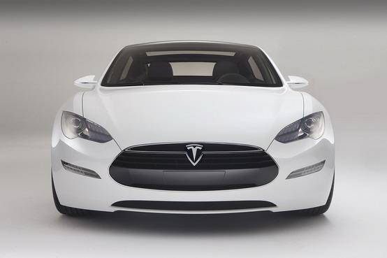 Tesla nel mondo: apriranno nuovi concessionari anche in Europa