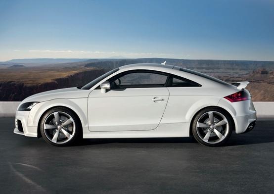 Audi TT RS coupè e roadster ufficiali i prezzi per il mercato italiano