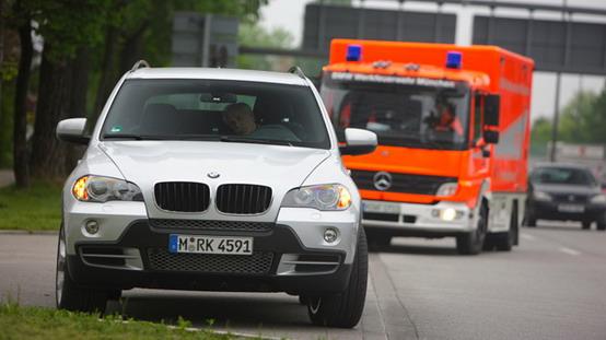 BMW sta preparando auto a prova di emergenza