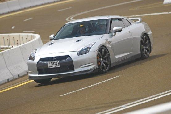 Guinness World Records, l' accelerazione più veloce per Nissan GT-R
