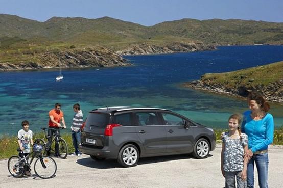 Rivelata la nuova Peugeot 5008 7-posti Compact MPV