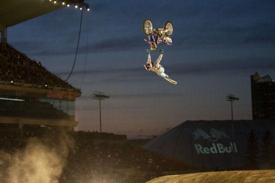 Red Bull X-Fighters: l'australiano Maddison fa il vuoto!
