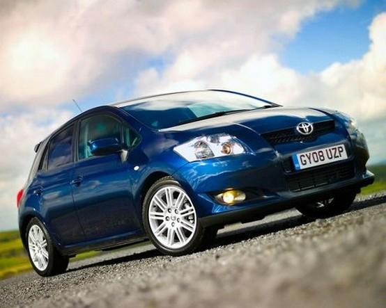 Toyota annuncia che la Auris ibrida sarà costruita nel Regno Unito