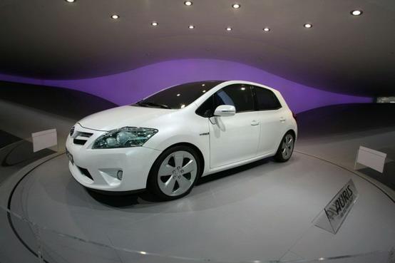 Toyota Auris HSD ibrida: video direttamente da Francoforte