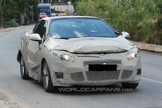 Foto spia della Renault Megane CC