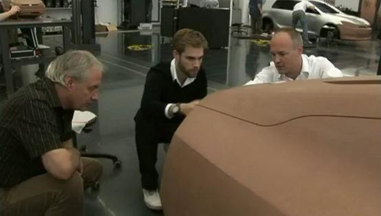 Volkswagen Golf VII: salta fuori la carrozzeria in un video promozionale?