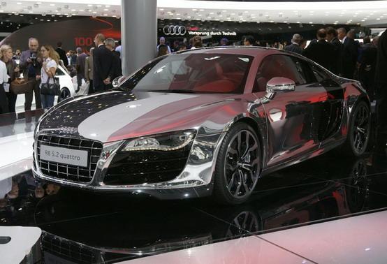 Francoforte 2009: l'Audi R8 5.2 FSI cromata