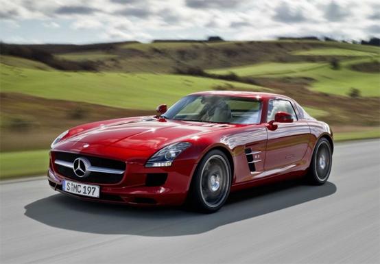 Mercedes benz sls amg ali di gabbiano sportivit in for New mercedes benz sls