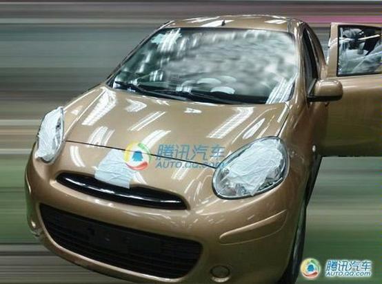 Foto spia della Nissan Micra 2010