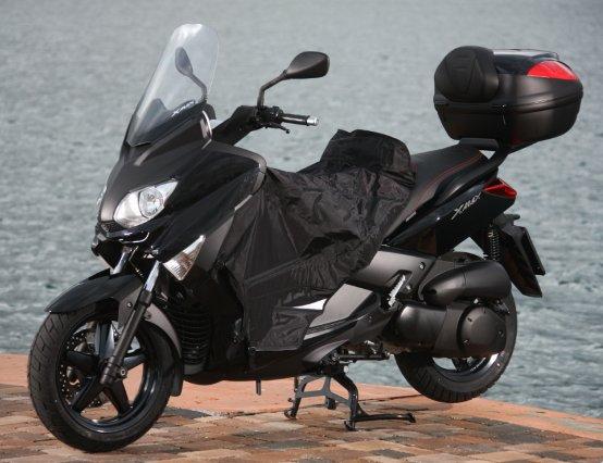 Yamaha: in vendita la nuova gamma di teli coprigambe S-Line Pro Series