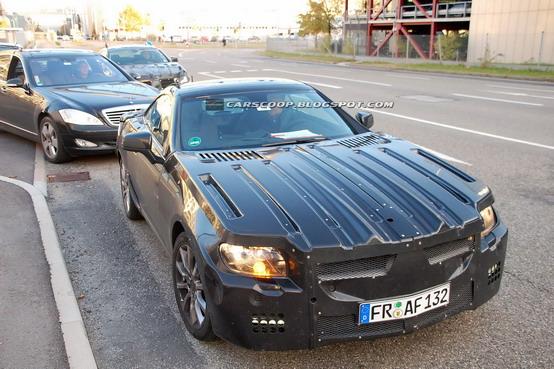 Foto spia della Mercedes SLK Roadster e dei suoi interni