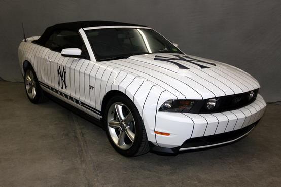 All'asta la Ford Mustang GT che tifa per i New York Yankees