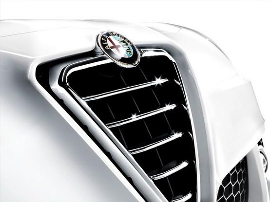Fiat riunisce insieme i marchi Alfa Romeo, Maserati e Abarth