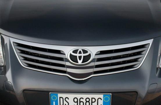 L'ente di controllo americana approva le riparazioni alla pedaliera di Toyota