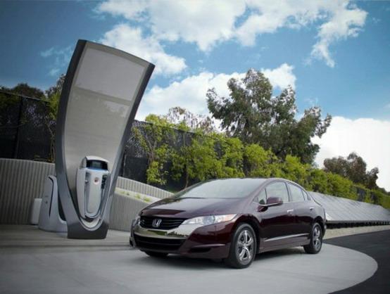 Honda apre una stazione di servizio di idrogeno a energia solare