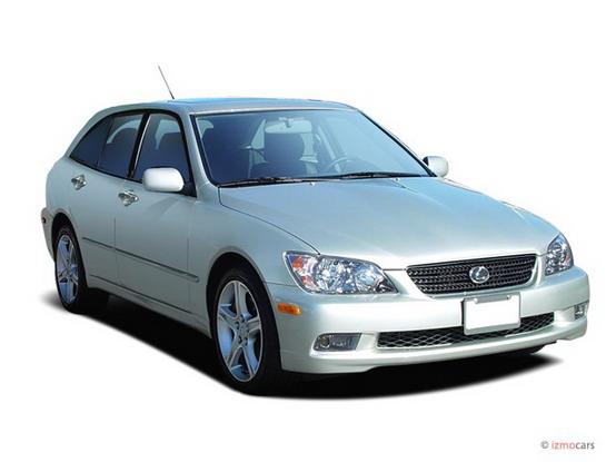 Lexus IS, in arrivo anche la versione station wagon