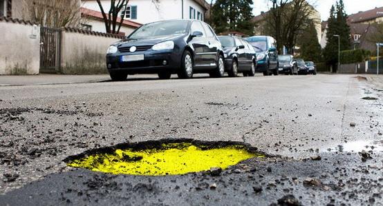 Strada che Vive: dall'Italia la proposta delle buche colorate per la sicurezza stradale