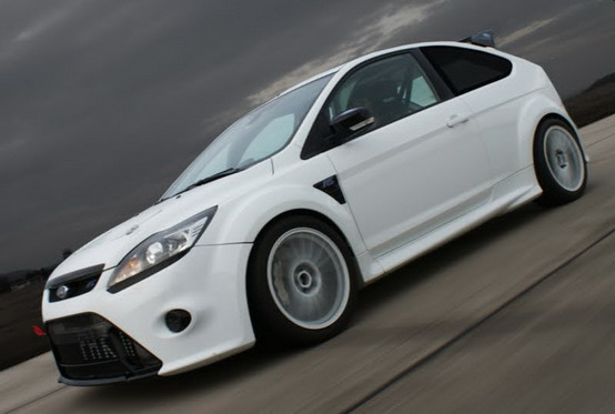 24 Ore Nürburgring: la Ford Focus RS torna a scuola