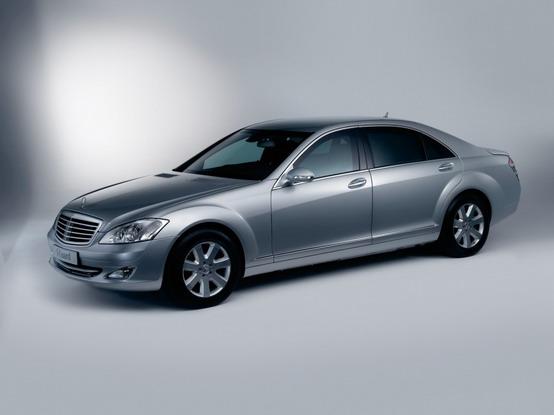 Mercedes-Benz Guard, la protezione integrale tedesca in mostra a Milano