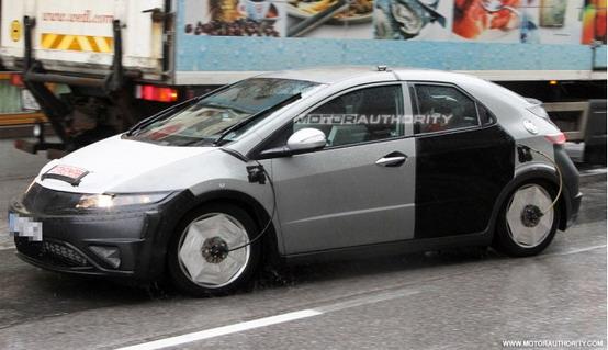 Honda Civic 2012 - Foto spia 29-5-2010