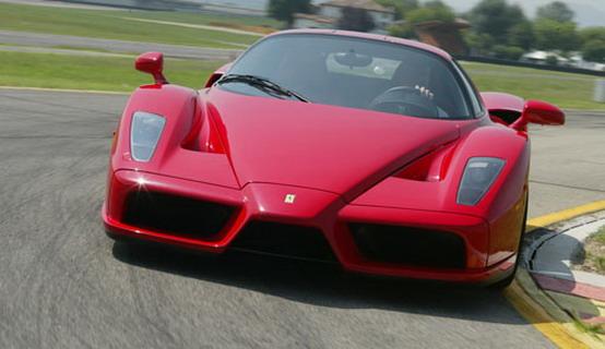 Ferrari Enzo, la nuova versione avrà un motore V8 biturbo