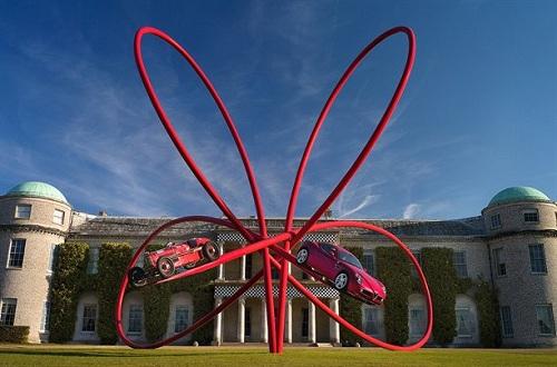 Alfa Romeo, la statua del Festival of Speed di Goodwood per il centenario