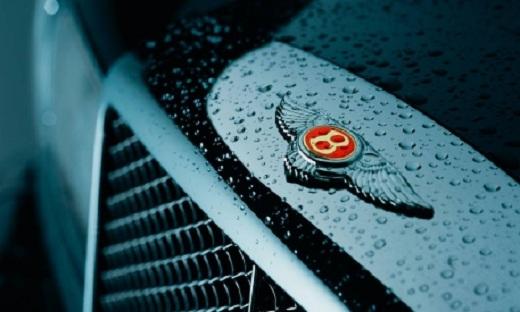 Bentley: dal 2012, una Continental rivale diretta di Porsche Panamera