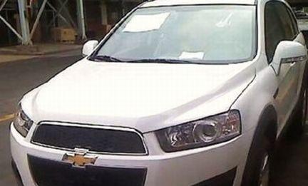 Chevrolet Captiva restyling 2011: immagini scoperte del facelift