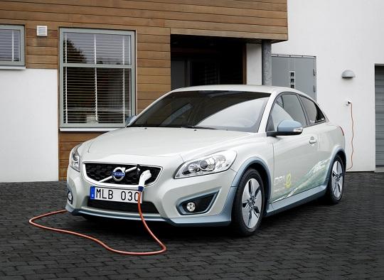 Volvo C30 Electric: 10 modelli della media ecologica svedese pronti per l'autunno 2010