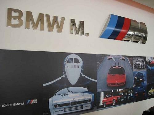 BMW ///M, apre il primo showroom mondiale a Singapore