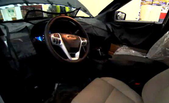 Ford Explorer 2011: nuovo video spia con vista degli interni