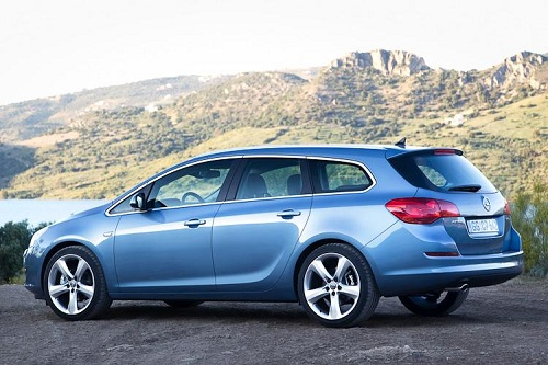 Opel Astra Sports Tourer, il listino partirà da 18.000 euro
