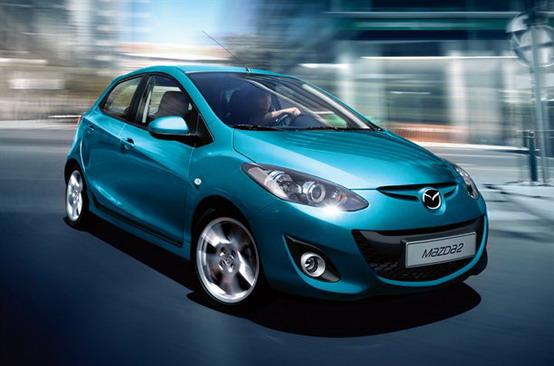 Mazda2, presentato ufficialmente il nuovo facelift supercompatto