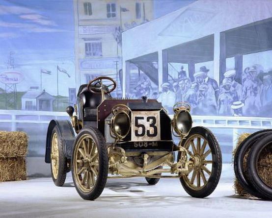 Mercedes: Pebble Beach ospita cento anni di storia delle auto sportive