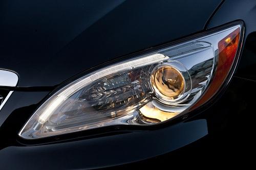 Chrysler 200C, teaser ufficiali