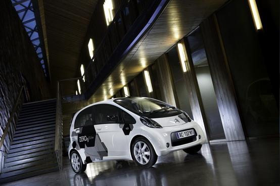 Citroën C-Zero, presentata l'auto elettrica sviluppata con Mitsubishi