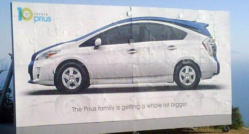 Toyota Prius MPV, primo teaser della monovolume giapponese