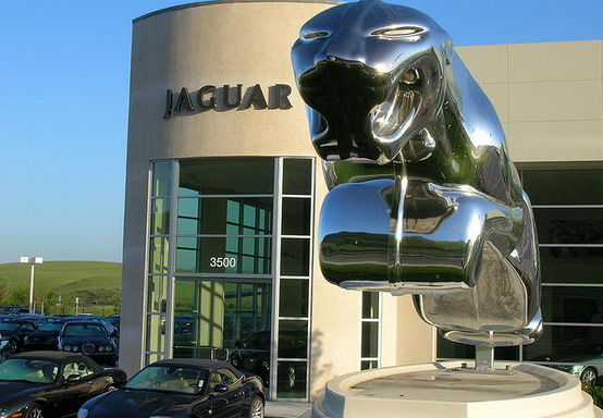 Jaguar nega di voler condividere le proprie piattaforme con altre case