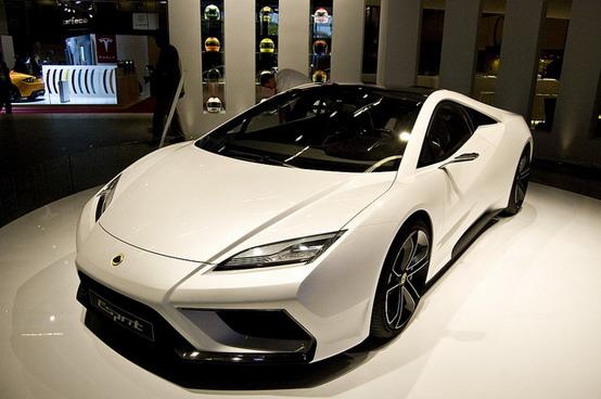 Lotus Esprit 2013, forse l'unica vista a Parigi che entrerà in produzione?