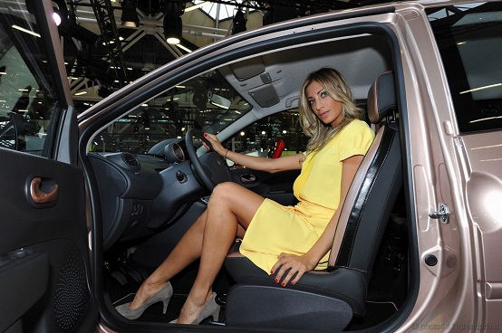 renault twingo miss sixty al motor show 2010. Black Bedroom Furniture Sets. Home Design Ideas