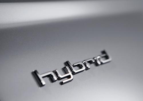 Audi, due ibride (Q5 e A6) nel 2011 ed una (A8) nel 2012