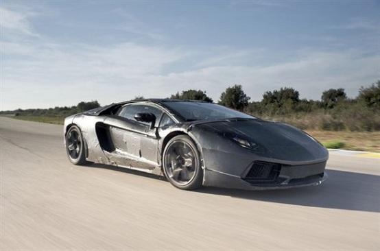 Lamborghini Aventador LP 700-4, video dall'abitacolo della supercar