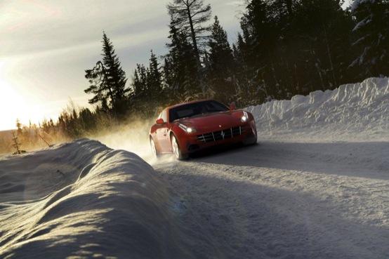 Ferrari FF immagini ufficiali